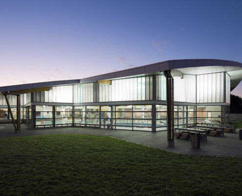 Otahuhu Rec Centre // ROYCROFT BROWN / METRO GLASS